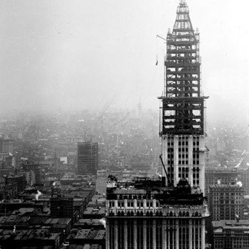 Trump-Building-40-Wall-Street_Under_Construction